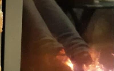 Füße im Feuer
